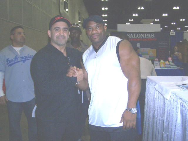 Joe Antouri with Dexter Jackson Mr. Olympia